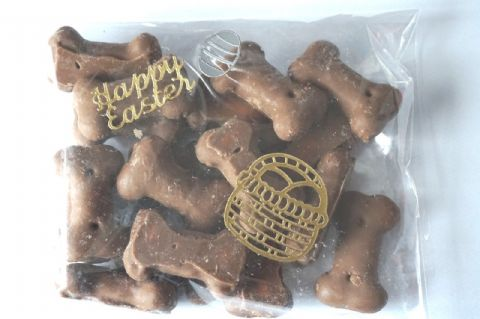 DOG CHOCOLATE EASTER BISCUIT BONES DOG SAFE ADDED VITAMINS HAND DECORATED PACK